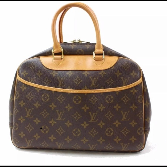 Louis Vuitton Handbags - Authentic Louis Vuitton Monogram Deuville Bag